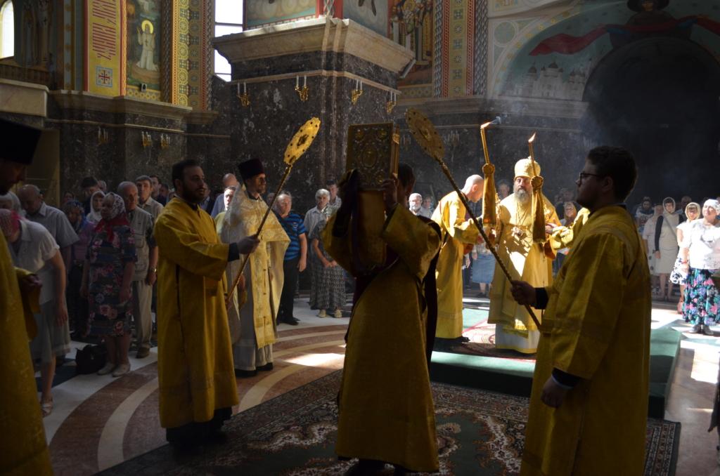 Архиепископ Серафим в Неделю 2-ю по Пятидесятнице совершил Божественную Литургию